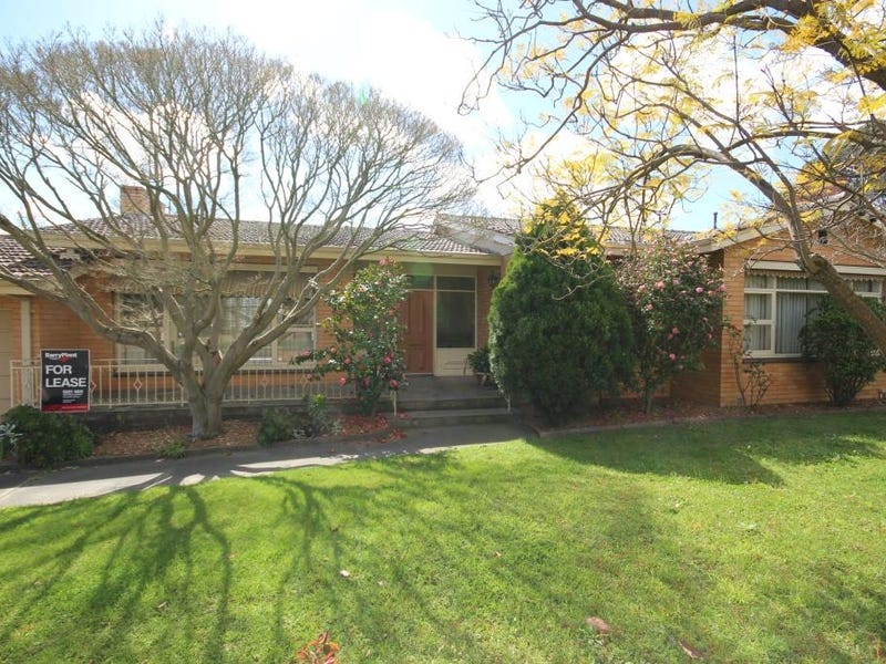 21 Layton Crescent, Newtown, Vic 3220