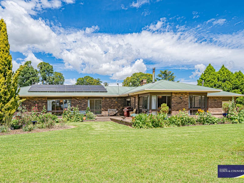 153 Knobs Road, Armidale, NSW 2350
