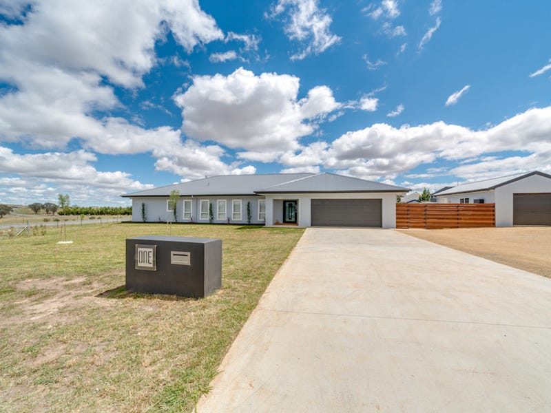 1 Little Close, Goulburn, NSW 2580