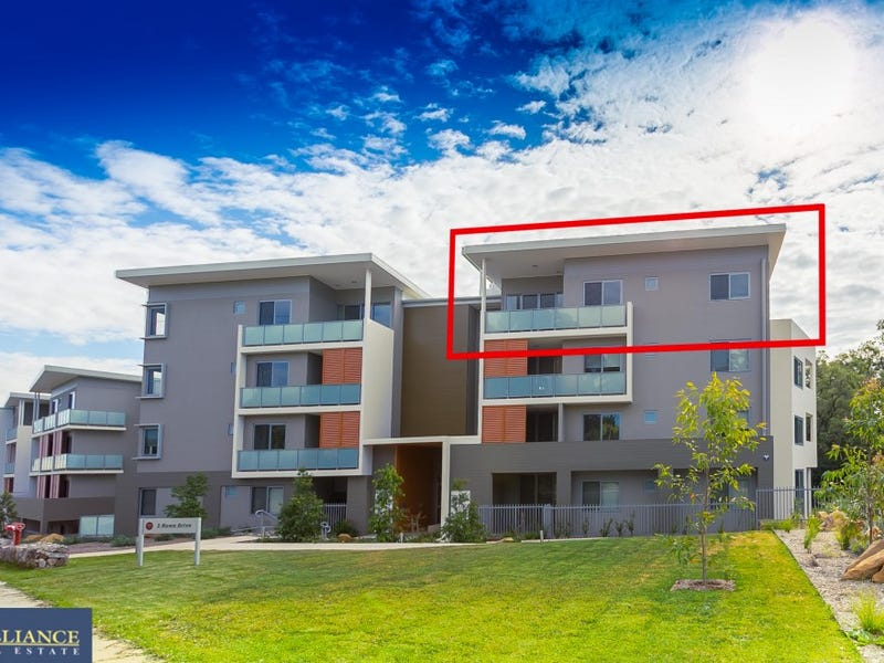 A4.04/2 Rowe Place, Potts Hill, NSW 2143