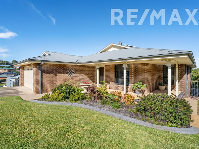 74 Brooklyn Drive, Bourkelands, NSW 2650