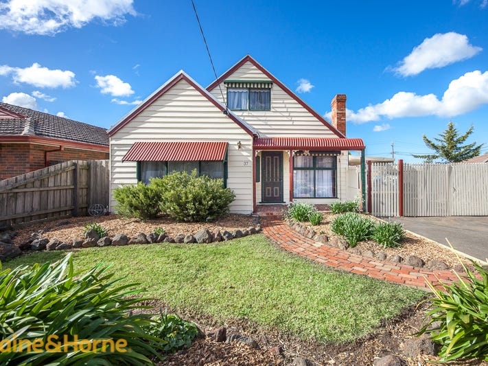 37 Flinders Street, Sunbury, Vic 3429