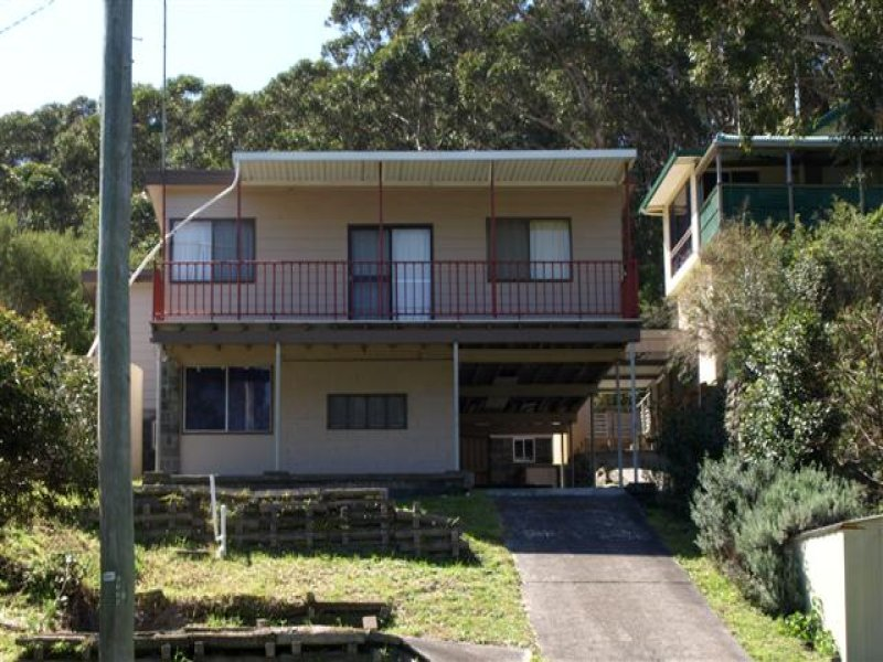 Address available on request, Seal Rocks, NSW 2423