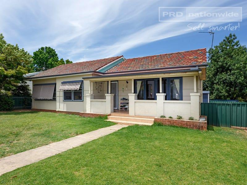 11 Plumpton Road, Kooringal, NSW 2650