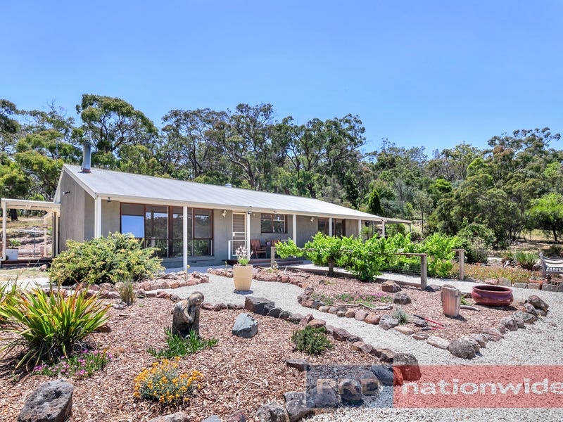 54 Crosier Road, Happy Valley, Vic 3360
