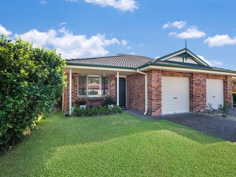 1/3 Woodview Avenue, Lisarow, NSW 2250