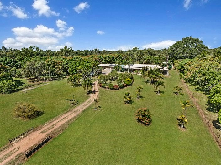 136 Toolakea Beach Road, Bluewater, Qld 4818