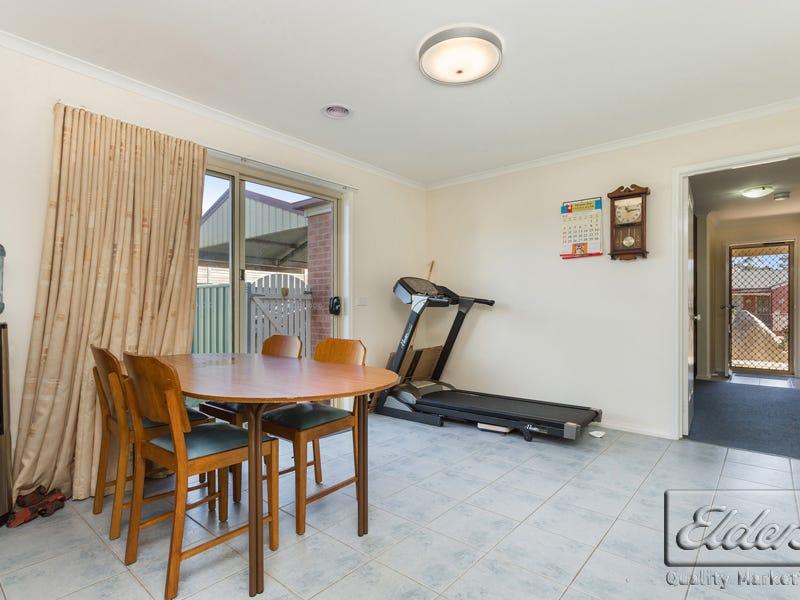 18 Elvey Drive, Kangaroo Flat, Vic 3555
