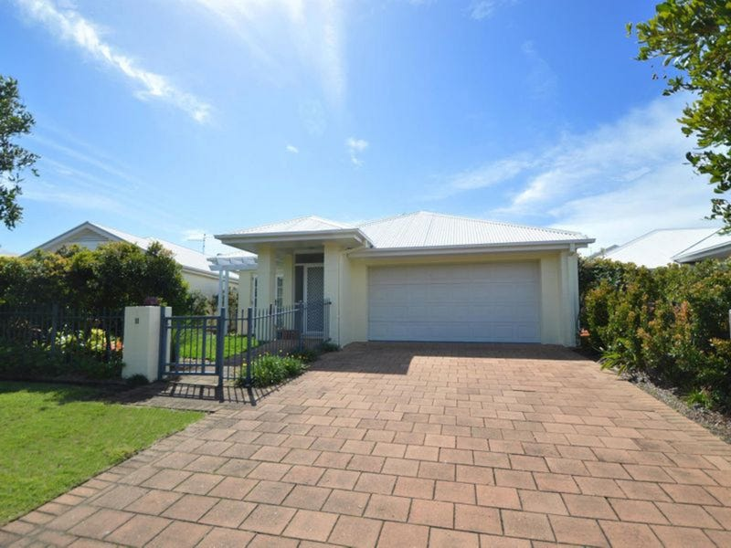 11 The Parkway, Yamba, NSW 2464