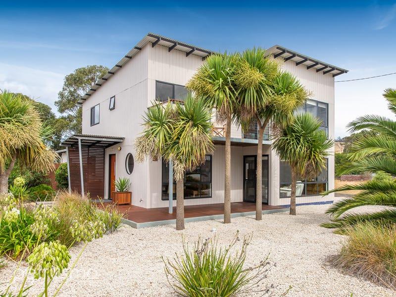 74 Bicheno Street, Clifton Beach, Tas 7020
