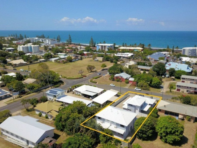 1-4/11 Holland St, Bargara, Qld 4670