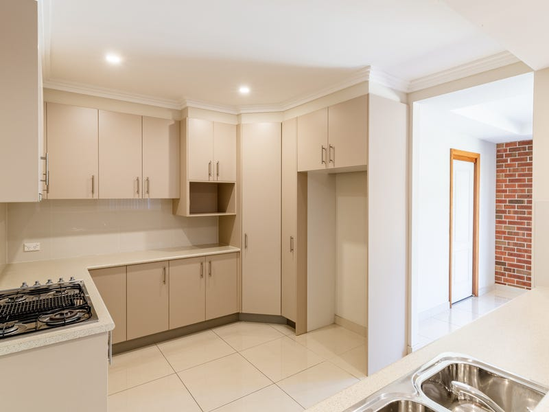 6/17-19 Greenfinch Street (also known as unit 12), Green Valley, NSW 2168