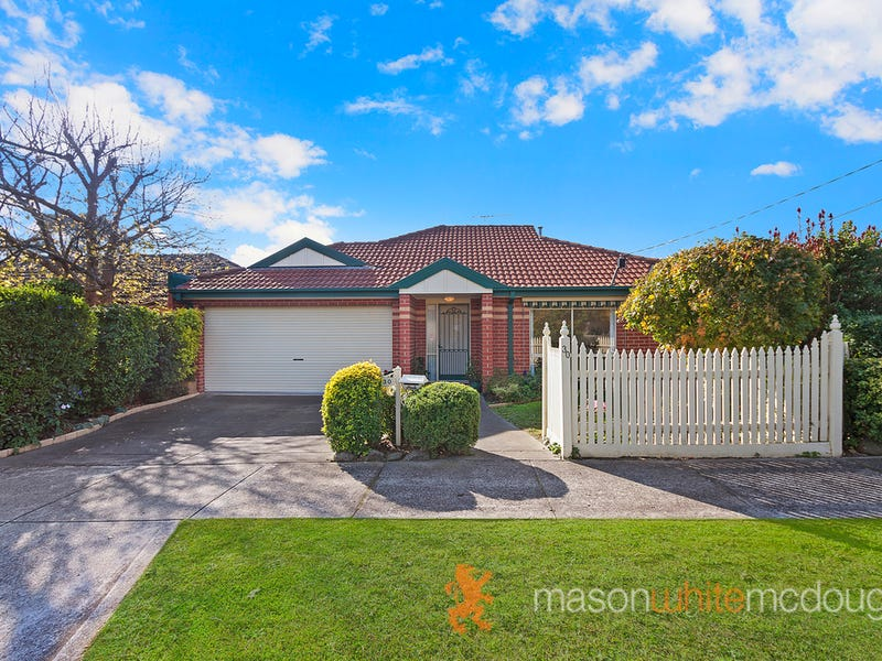 30 EDWARD STREET, Macleod, Vic 3085