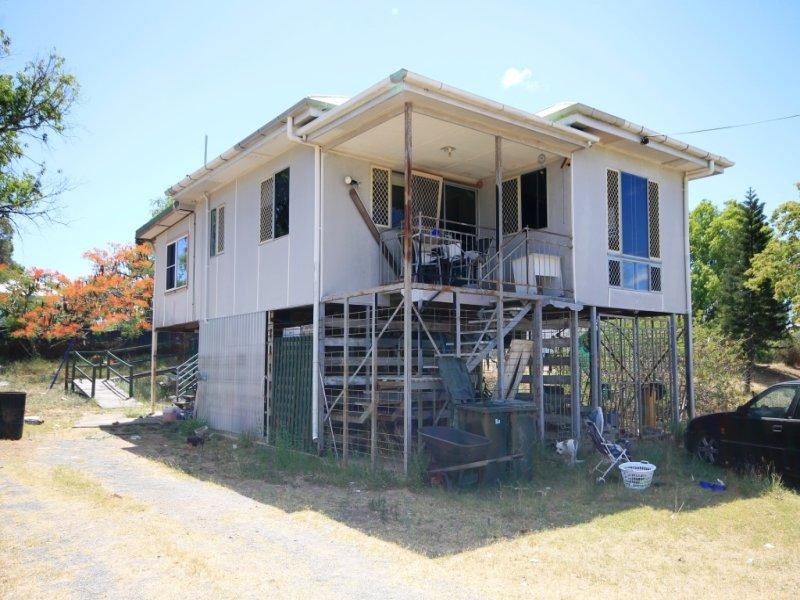 382 DENISON STREET, Depot Hill, Qld 4700