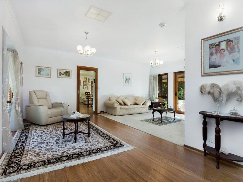 29 Churchill Avenue, Kooringal, NSW 2650