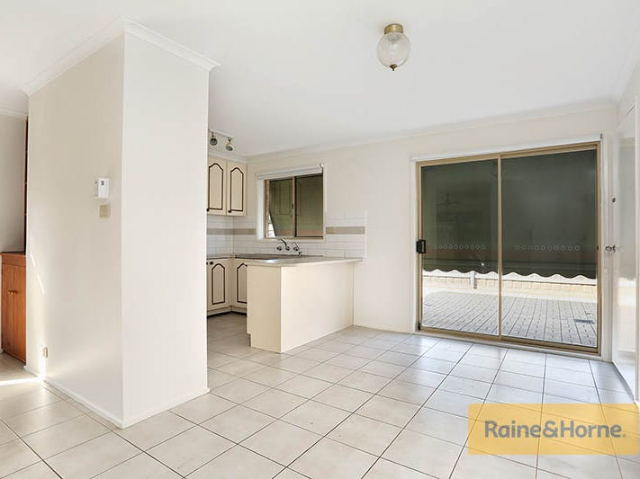 Unit 1/18 Toolern Street, Melton South, Vic 3338