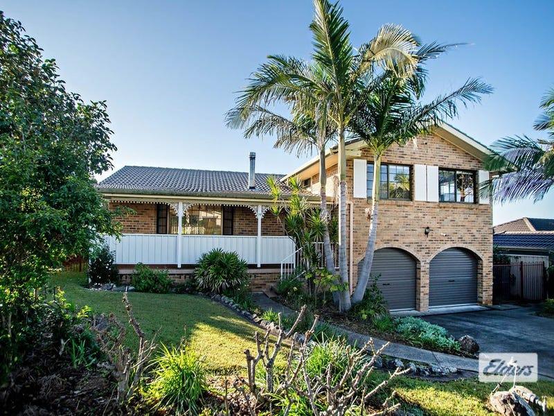 16 Tristania Crescent, Taree, NSW 2430