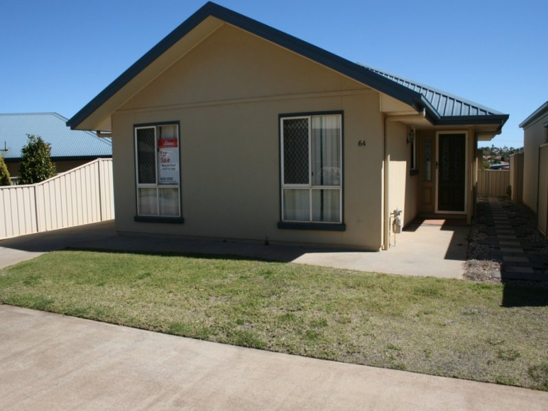 Unit 64 Kingfisher Gardens 303 Spring Street, Kearneys Spring, Qld 4350