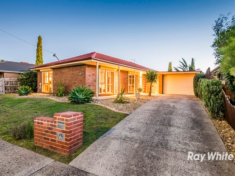 24 Elandra Way, Cranbourne West, Vic 3977