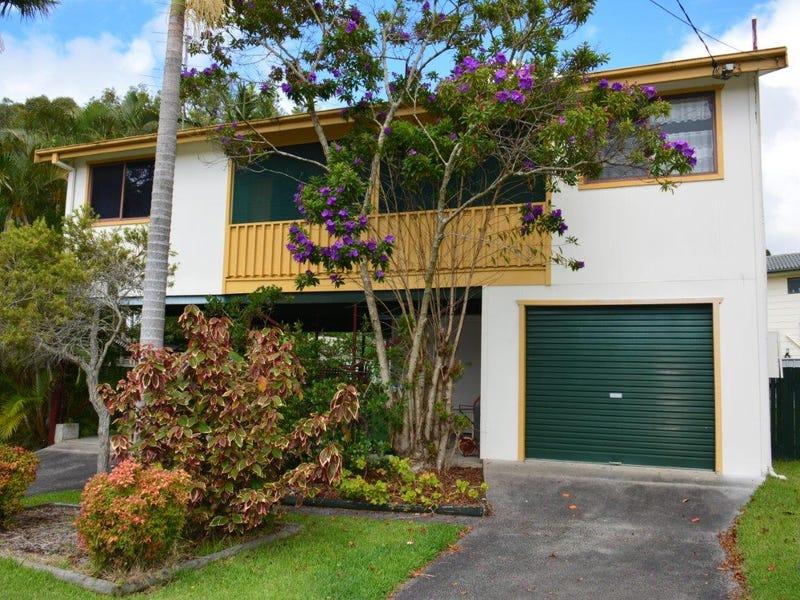 10 Birrabang Avenue, Summerland Point, NSW 2259