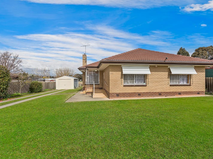 54 High Street, Chiltern, Vic 3683
