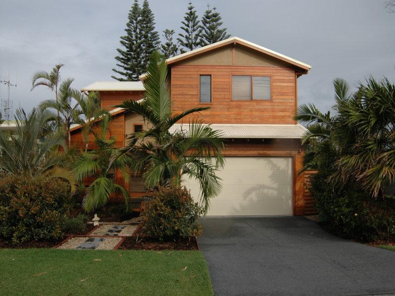 18 Croll Street, Blueys Beach, NSW 2428