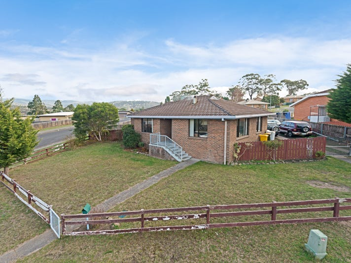 1 Cox Avenue, New Norfolk, Tas 7140