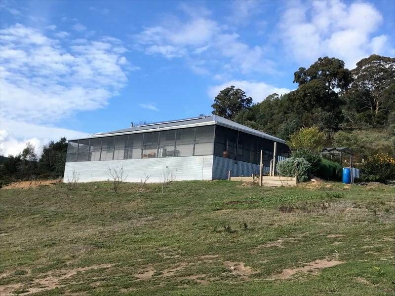27 Efour Road, Raglan, Vic 3373