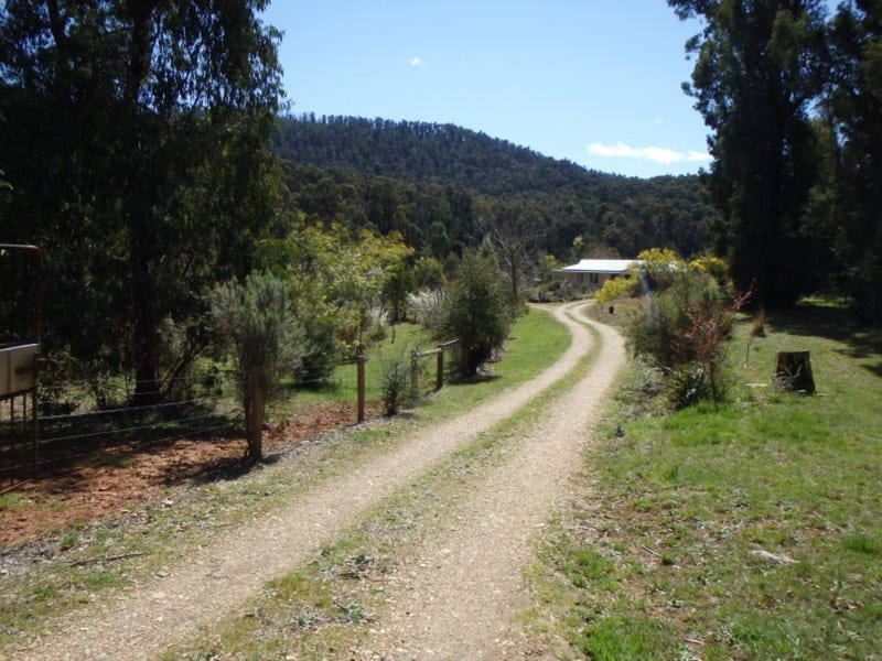 6 Aubrey Cuzens Drive, Marysville, Vic 3779