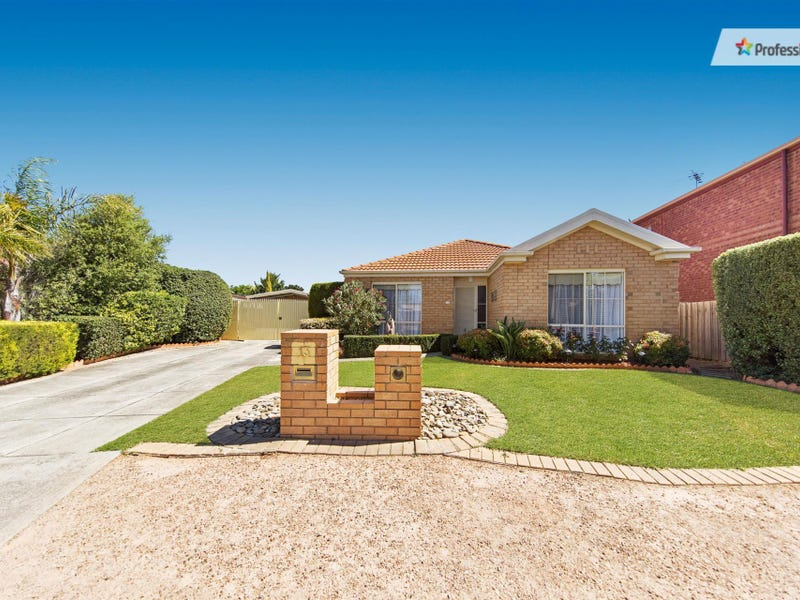 13 Hillsmeade Drive, Melton West, Vic 3337