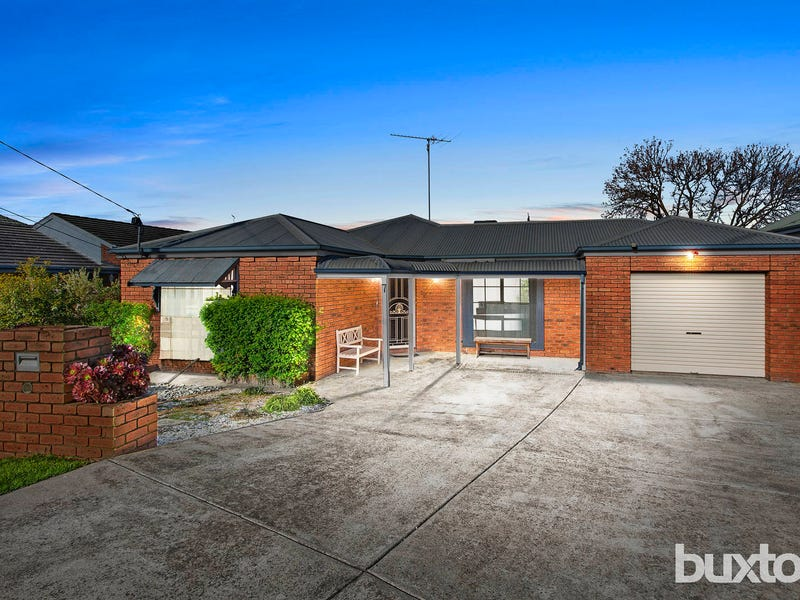 7 Ingrid Court, Herne Hill, Vic 3218