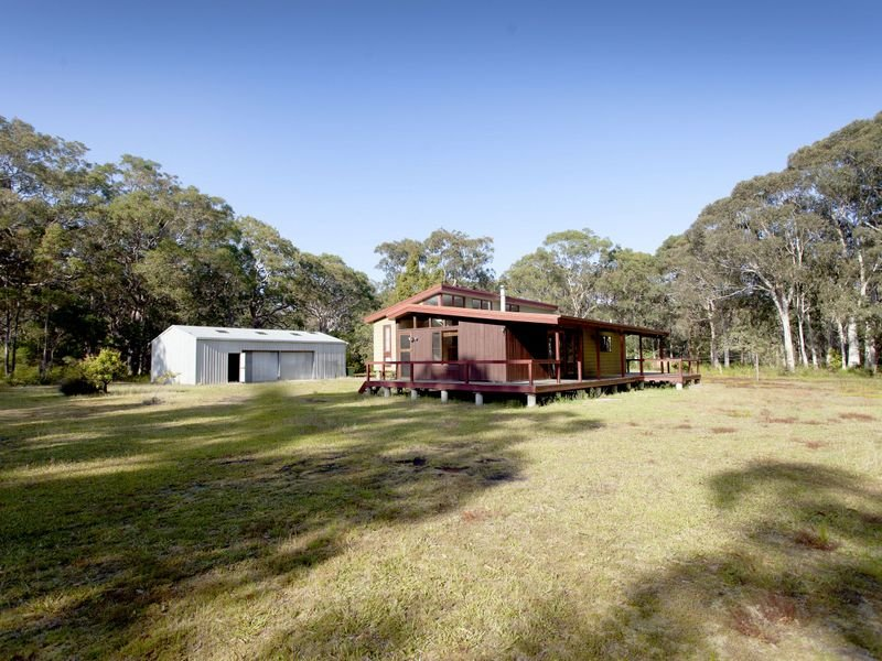 186 Beach Road, Mitchells Island, NSW 2430
