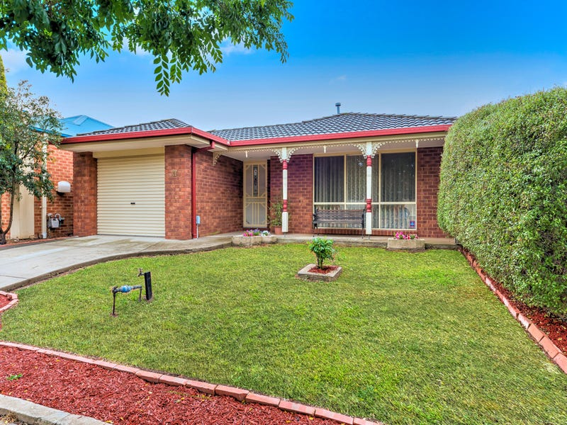 17 Saxby Court, Burnside, Vic 3023