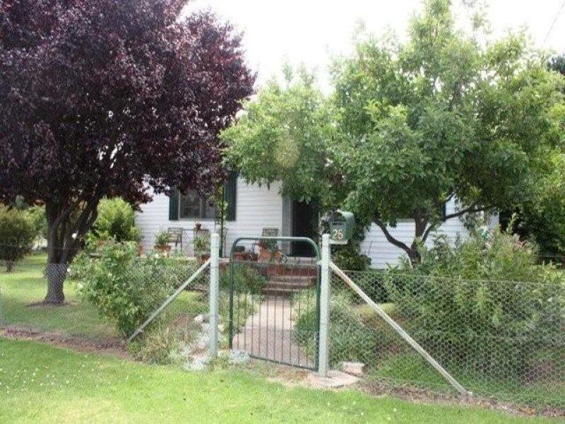 25 Oban Street, Coolah, NSW 2843
