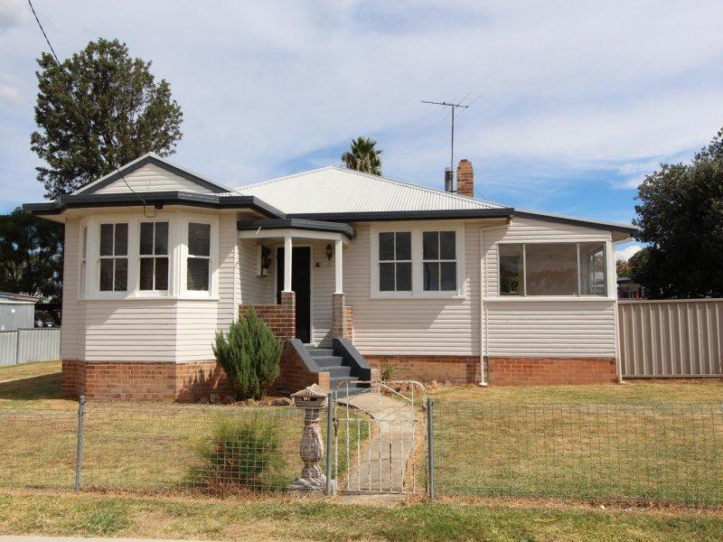 2 Gilchrist Street, Inverell, NSW 2360