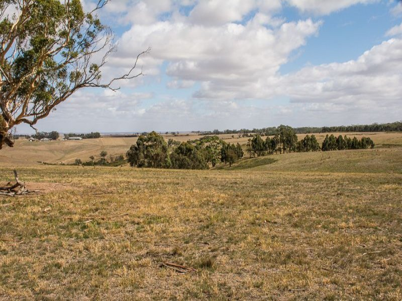 192 Savage Hill Road, Corindhap, Vic 3352