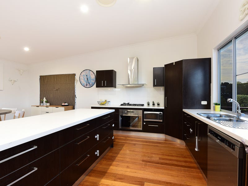 6 The Parkway, Aroona, Qld 4551