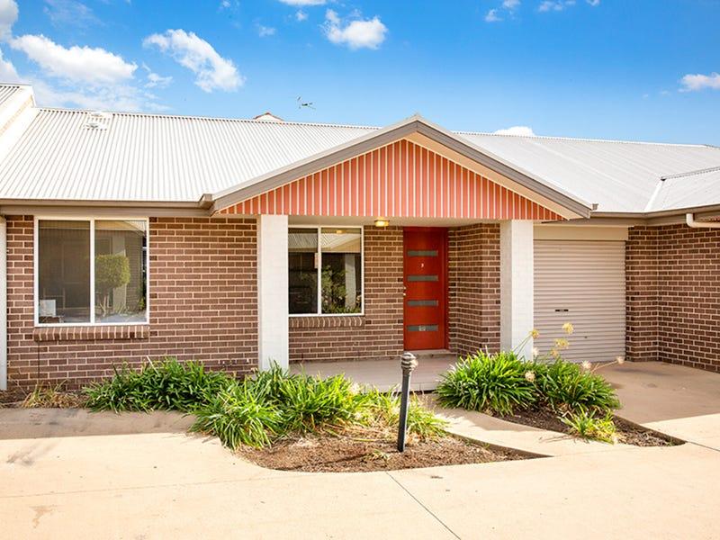 2/9 Bowen Avenue, Gunnedah, NSW 2380