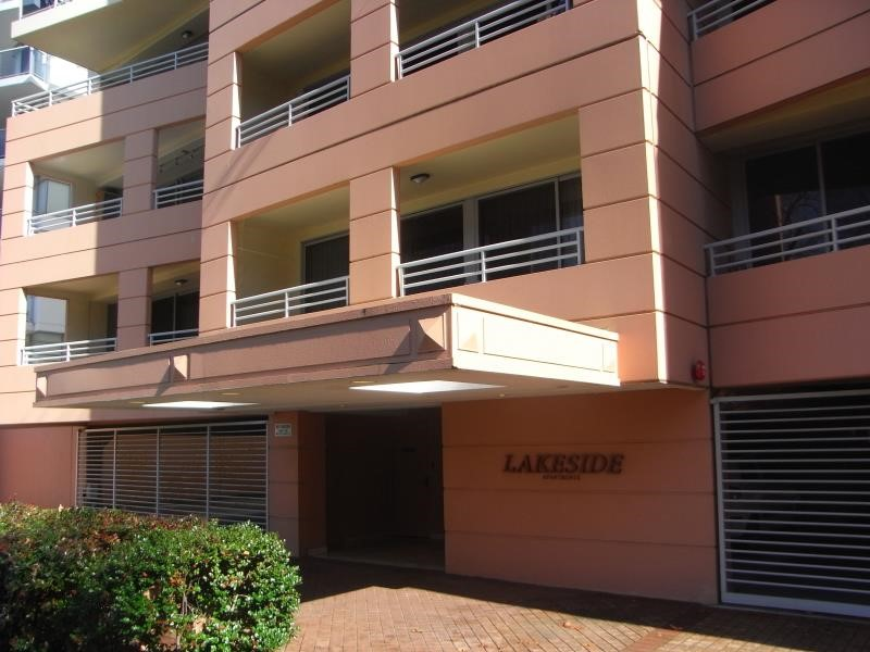 18/134 Mounts Bay Road, Perth, WA 6000