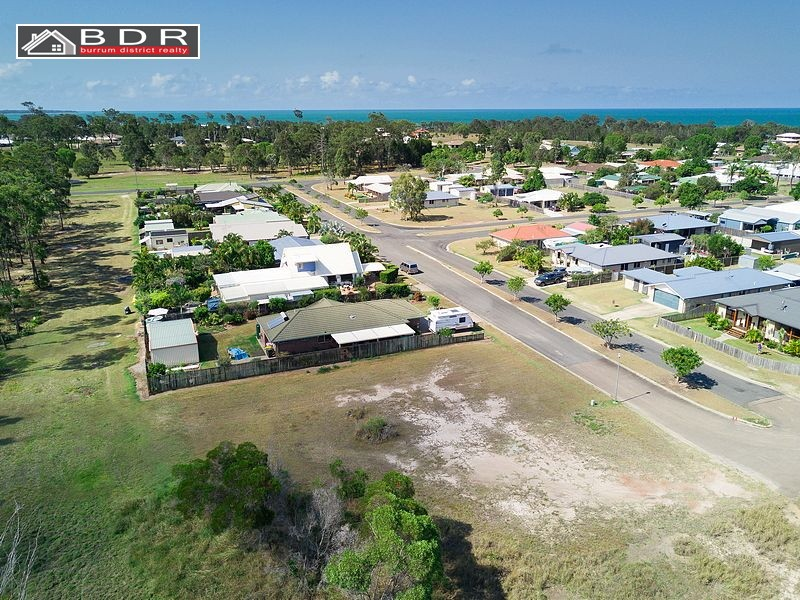 19 Lakeside Drive, Burrum Heads
