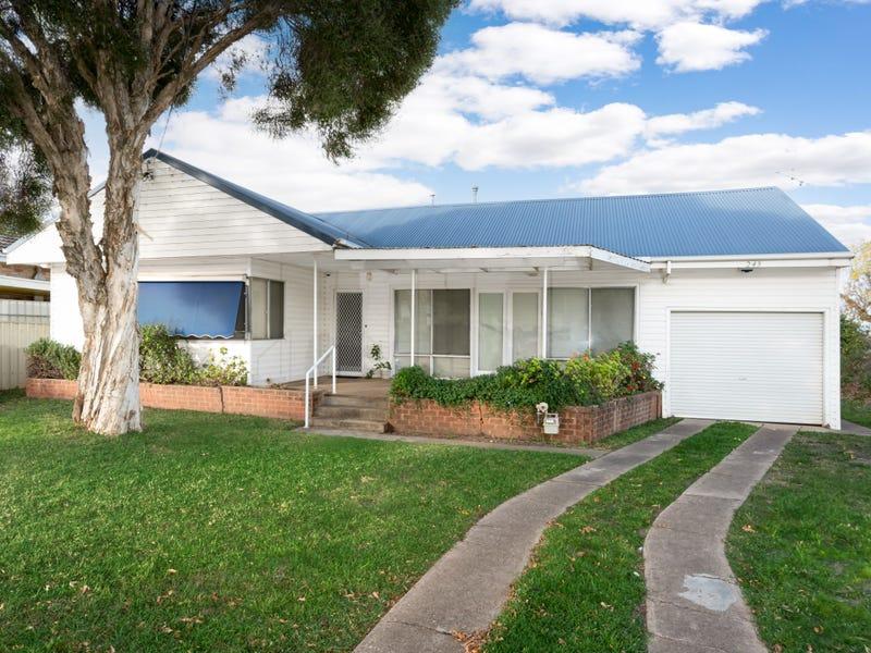 249 Lake Albert Road, Kooringal, NSW 2650