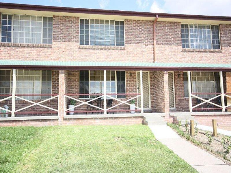 4/2 Simpson Tce, Singleton, NSW 2330