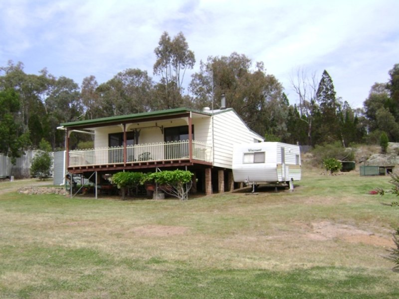 215 Woolpack Lane, Crowther, NSW 2803