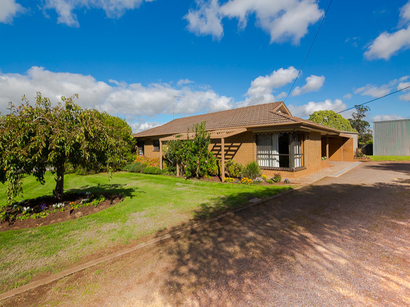 5 Hennessy's Road, Wallace, Vic 3352