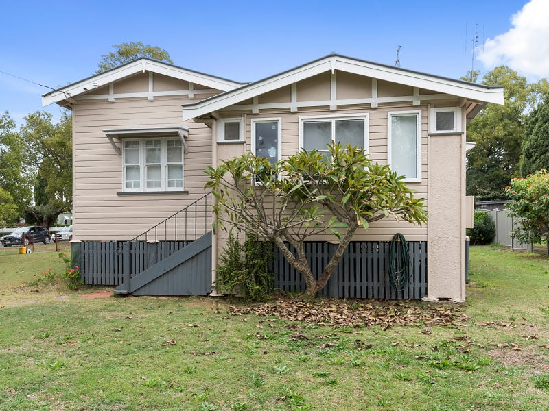 160 Long Street, South Toowoomba, Qld 4350
