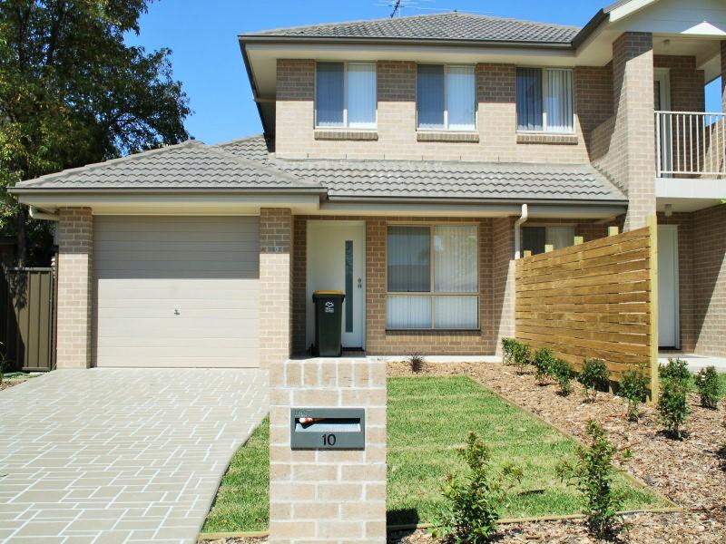 10 Glenmore Pl, South Penrith, NSW 2750