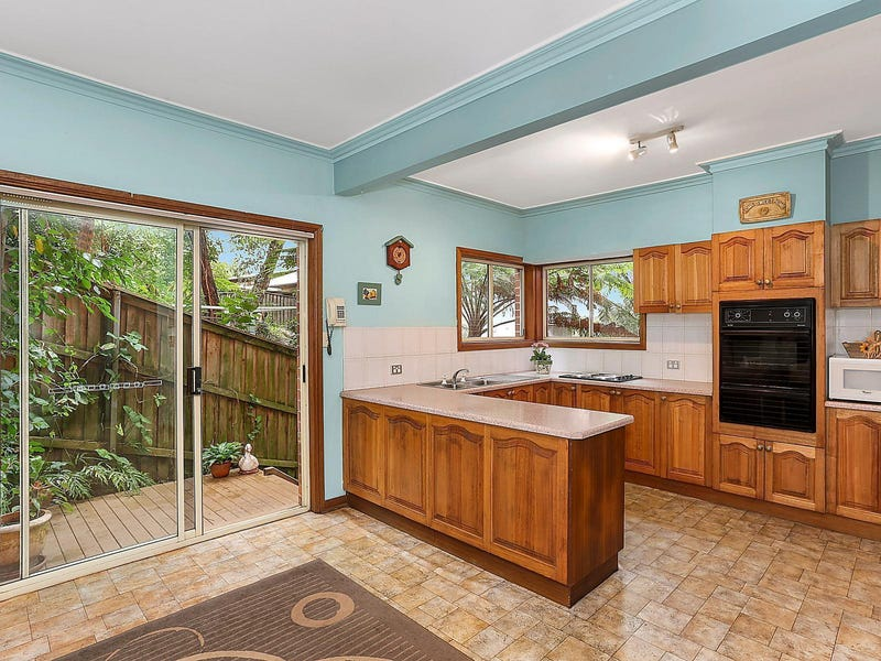 8A Grevillea Crescent, Hornsby Heights, NSW 2077