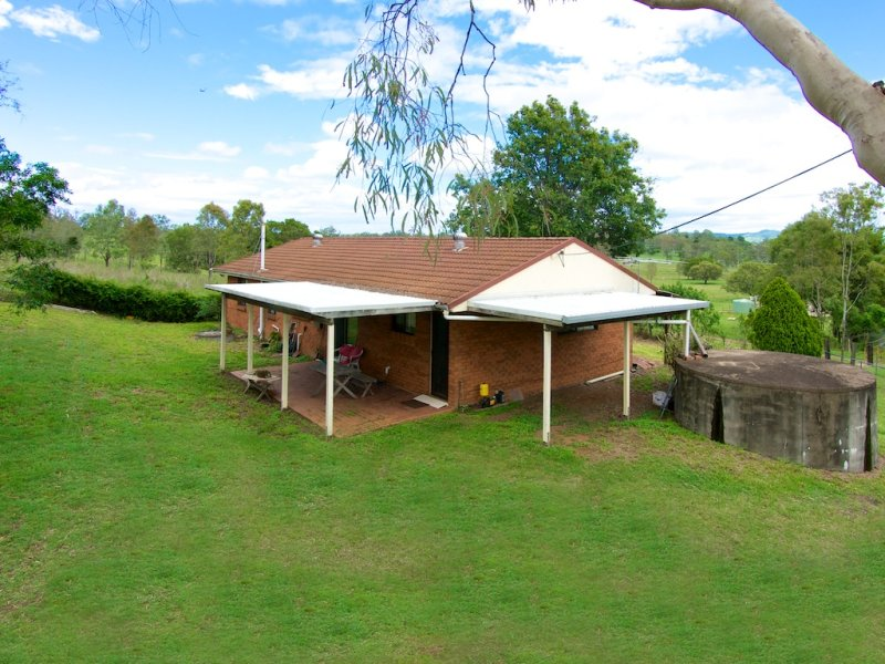 76 Mockers Road, Fairney View, Qld 4306