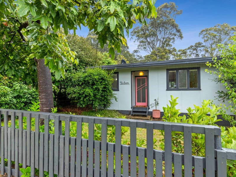 13 Surfside Avenue, Mossy Point, NSW 2537