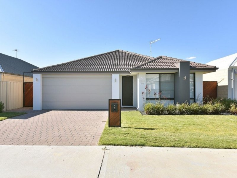 6 Panola Way*, Sinagra, WA 6065